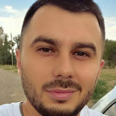 Олег Османов