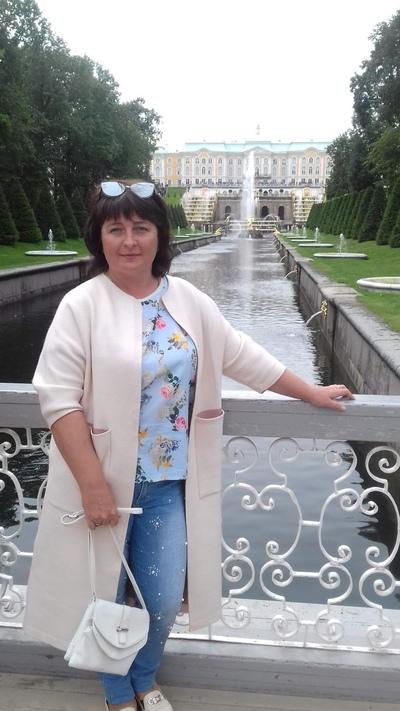 Ирина Ланунова, Серов