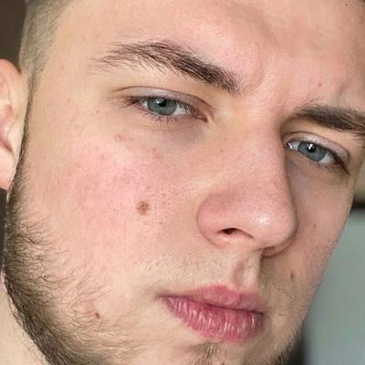 Макс Петров