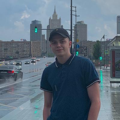 Влад Михайлов, Москва