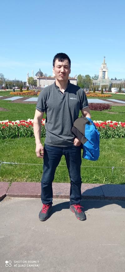 Nursultan Adanbekov, Москва
