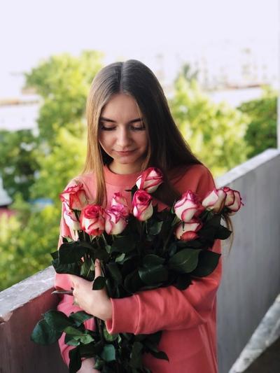 Элина Садовская