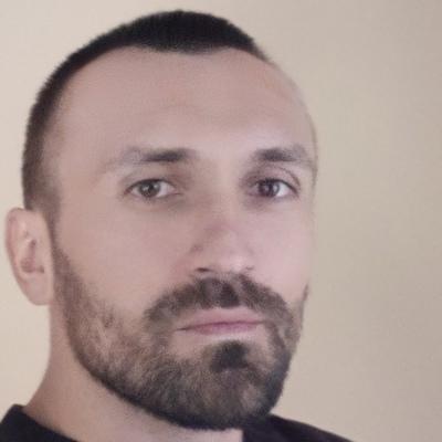 Михайло Костак
