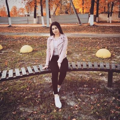 Зарина Захарова