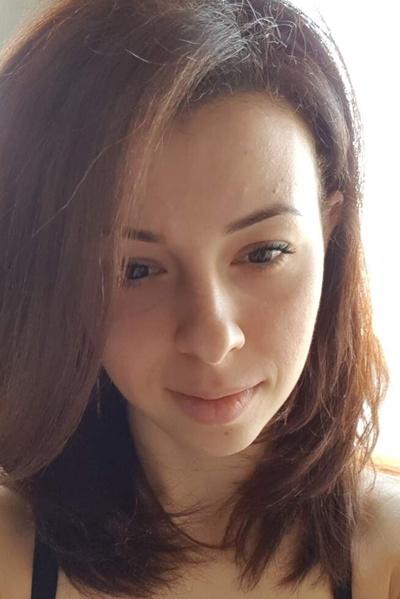 Аня Титова
