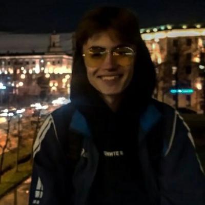 Денис Храптович