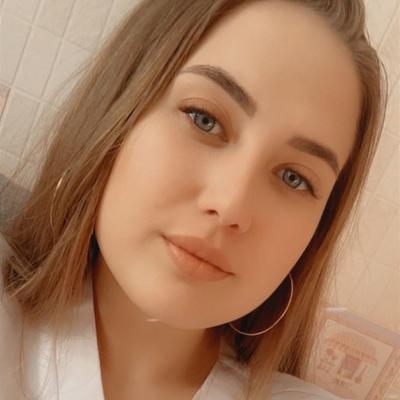 Алёна Коншина