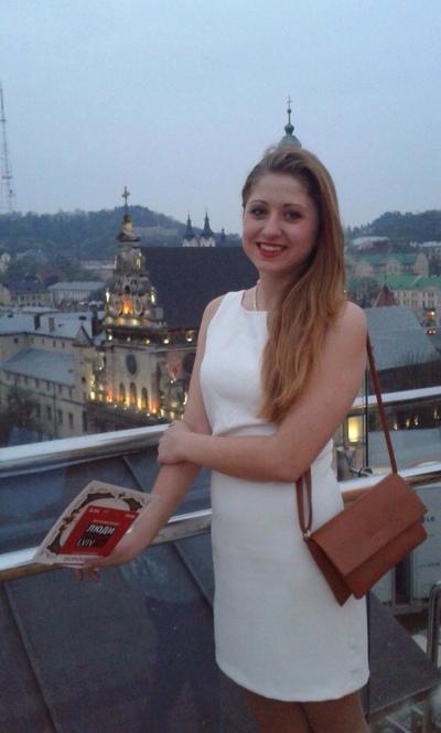 Anzhela Arova, Moscow