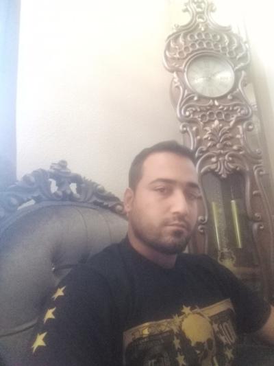 Yas Mousavian, Eşfahān