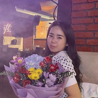 Аружан Серикжан, Алматы