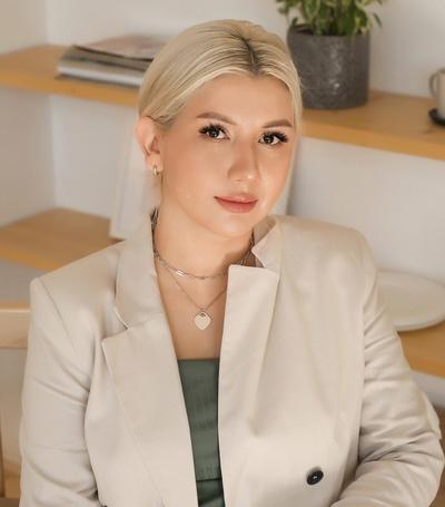 Анна Повереннова, Екатеринбург