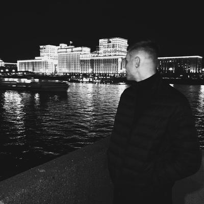 Артем Зотов, Москва