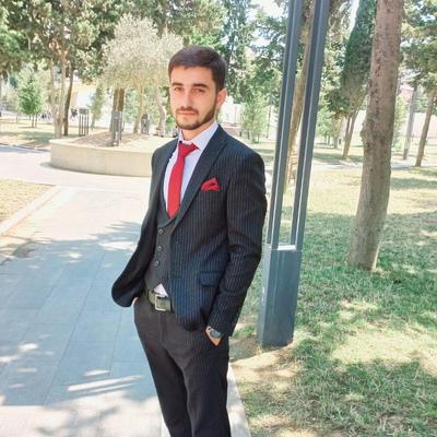 Akşin Salimov, Баку
