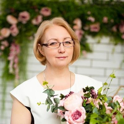 Натали Крамаренко-Унтилова, Симферополь